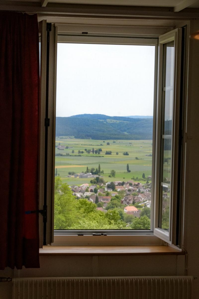 Berghof Hallau Ferienwohnung Fenster Ausblick