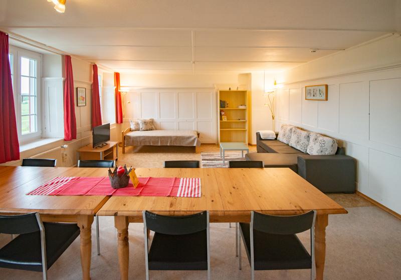 Berghof Hallau Ferienwohnung Wohnraum Esstisch