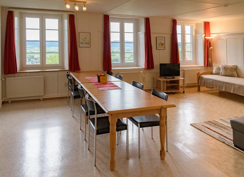 Berghof Hallau Ferienwohnung Wohnzimmer Esstisch