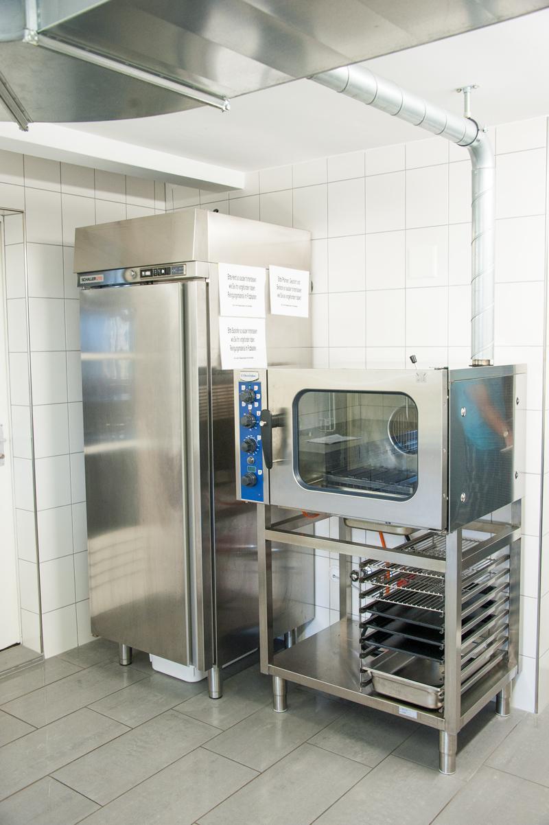 Berghof Hallau Gruppenhaus Küche Ofen