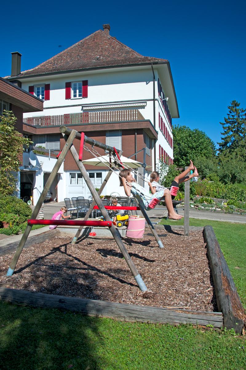 Berghof Hallau Gruppenhaus Spielplatz