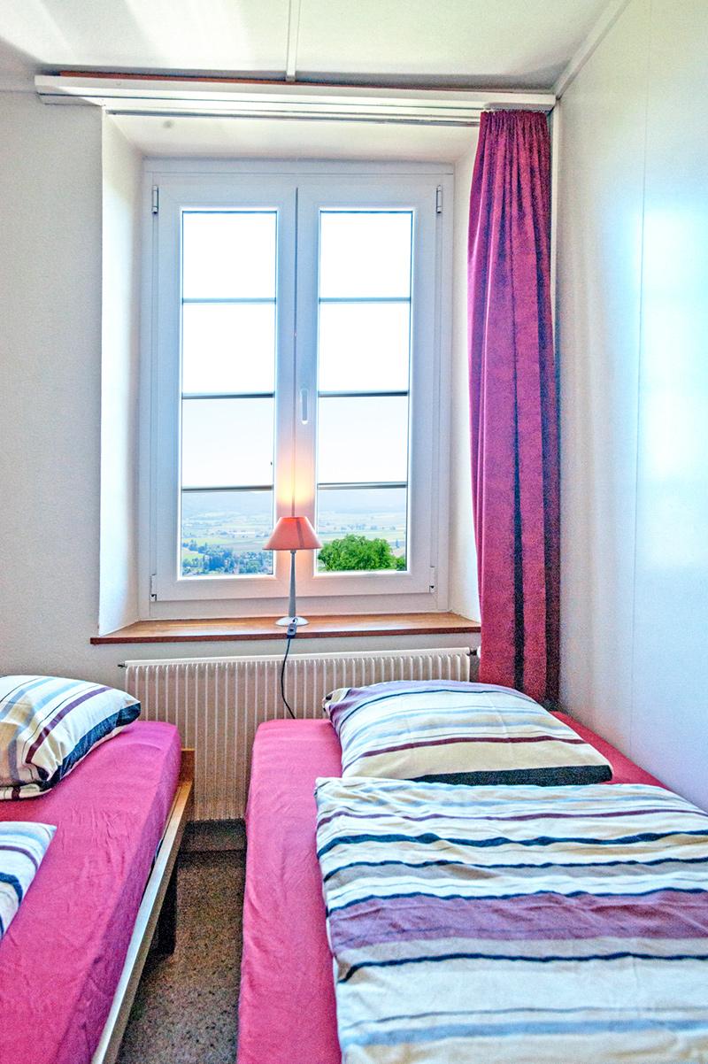 Berghof Hallau Ferienwohnung Zimmer Fenster Ausblick